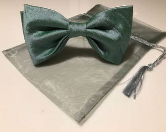 Womens bow tie Bow Tie Green Bow Tie Brooch Bow Tie Bow Tie for Women Gift for her Gift for Mom Gift for Daughter Gift for Girlfriend