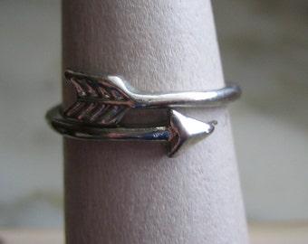 Vintage Silver Tone Arrow Ring