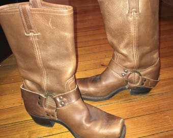 Vintage FRYE Harness 12r Boots size 8 womens