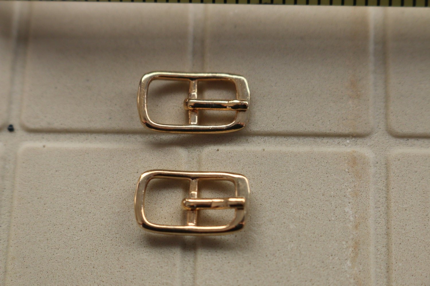 Small buckles for crafts - Sold By Rarefindsandtreasure
