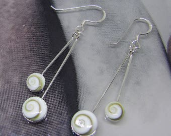 Earrings silver end and eye of Lucia round (Pearl)