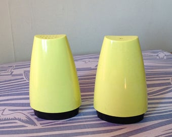 Gaydon Salt and Pepper Shakers - Yellow Salt and Pepper Pots - Vintage Melamine Cruet Set - Mid-Century Salt and Pepper Pots