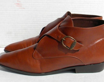 Sz 9.5 Brown flat leather buckle up made in Italy women ankle boots.