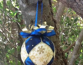 Blue, cream and gold Kimekomi Christmas ornament