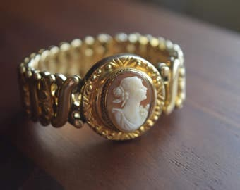 Antique Victorian Revival 1930s Yellow Gold Shell Cameo Expansion Bracelet