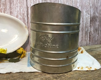 Vintage Foley Sifter/Sift-Chine/Flour Sifter/Metal/Hand Crank/Farmhouse Kitchen