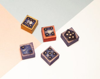 The dice to learn to count > stamps, naïve School of the 1950s (wood & rubber)
