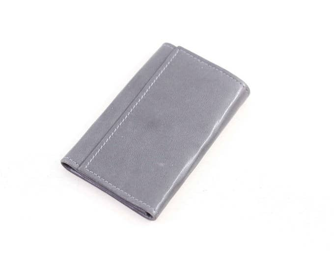 Leather key wallet, grey key holder, key chain for 6 keys, key hooks in grey soft nappa skin by Tilley, made in Canada
