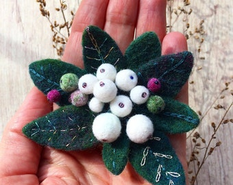 Handmade brooch Snowberry - Felted pin - Berries brooch - Floral brooch - Felted brooch - Snowberry - Gift for her - Romantic brooch