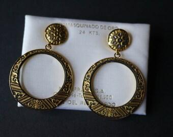Damascene Toledo earrings on original card, 24 kts gold and black for pierced ears Damasquinado de Oro