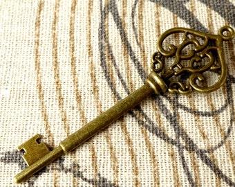 Key charm 4 bronze vintage style ornate jewellery supplies C99