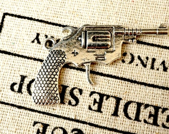 Gun 5 silver charms vintage style jewellery supplies C190