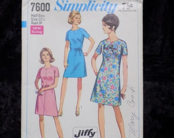 Vintage 1960s Sewing Pattern, Simplicity 7600, 1960s Dress Pattern, Size 12 1/2 Bust 35