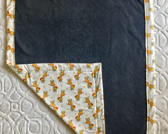 Minky baby blanket. Soft blanket. Girafe pattern. Girl blanket. Boy blanket. Beige, Yellow and Grey
