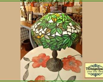 Lamp decorative, Tiffany lamp, lamp desktop, Lamp vintage, green lamp, decorative lighting, Tiffany Reproduction in opaline authentic