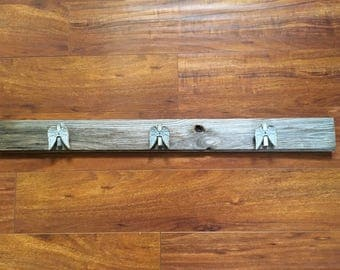 Repurposed Shabby Chic Farmhouse Wood Wall Hanging Art Display Angel Wing Clips