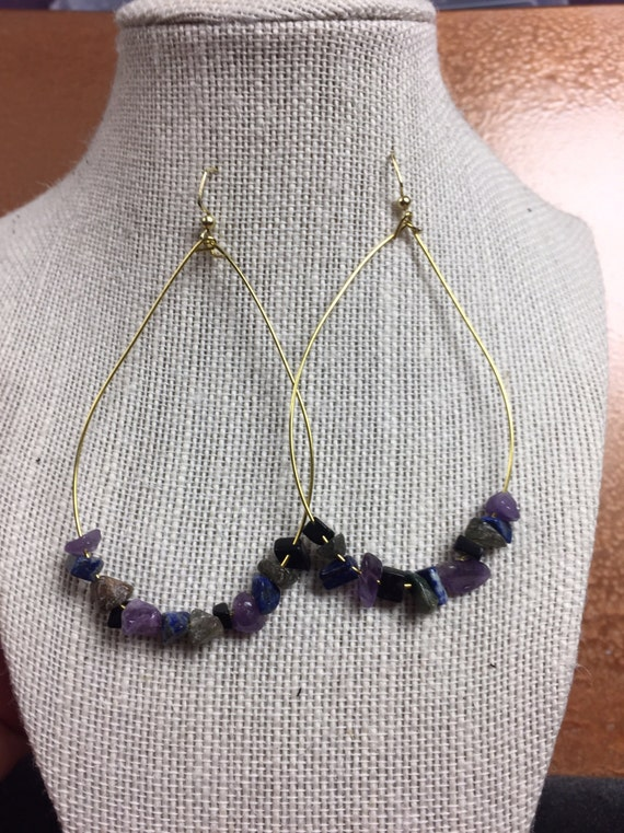 Teardrop hoops with multicolored stones