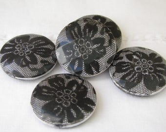 5 Plastic Black White Beads Flower Design