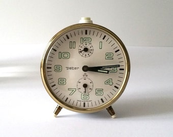 Vintage old alarm clock White 'Peter'