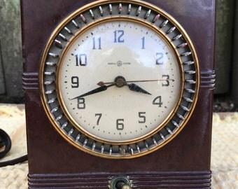 General Electric Household Timer Bakelite Clock 8B52 circa 1940's