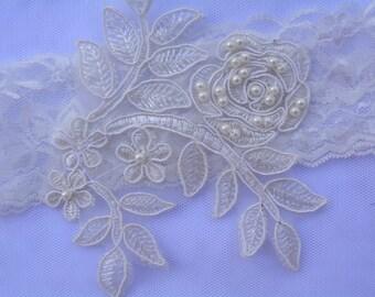 Off White Garter, Lace Bridal Garter, Wedding Garter Set, Pearl Garter Set, Wedding Clothing, White Lace Garter, Handmade Garter, Garter Set