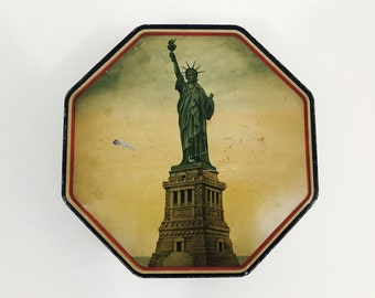 Vintage Statue of Liberty Tin / Loose Wiles Biscuit Company / Vintage Americana Advertising