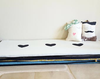 Game baby Montessori Ecru and black hearts - organic cotton mattress / mat