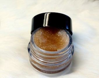 Coffee Lipscrub with Coconut Oil and Brown Sugar