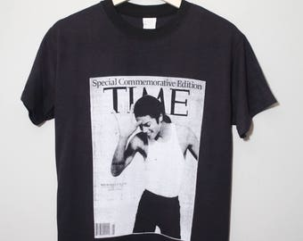 Commemorative Micheal Jackson The King Of Pop Memorial Tee RIP   Size Small