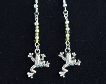 Adorable dinky frog and green seed bead earrings