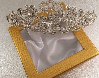 Wedding tiara, crystal tiara, wedding crown, crystal crown, wedding hair piece, wedding head piece, crystal hair accessories