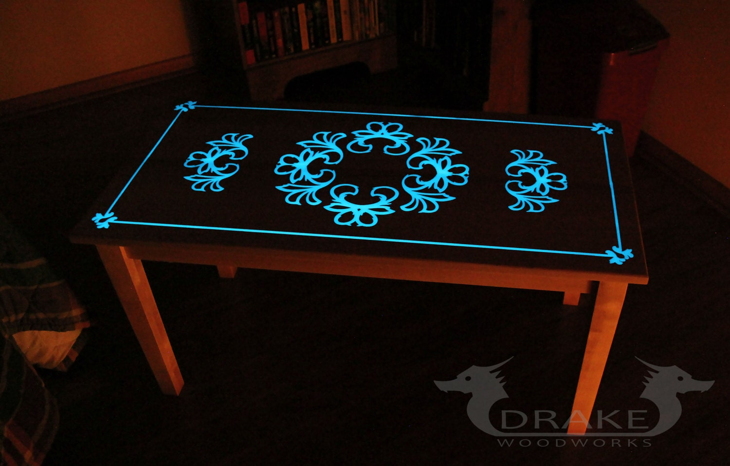 Glow table glow in the dark table custom epoxy resin coffee - Glow in the dark resin table ...