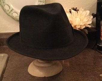 SALE! Classic vintage men's Mallory black wool felt fedora (A096)
