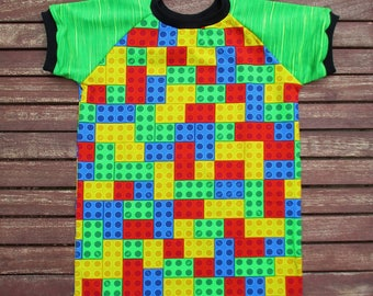 T-Shirt Gr. 122 with the colorful building blocks mega Maxi Brixx of fabric & love. A must for every module fan