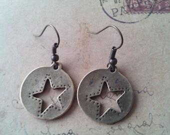 Round star earrings - bronze