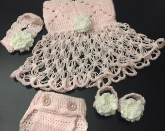Baby girl dress set for spring.