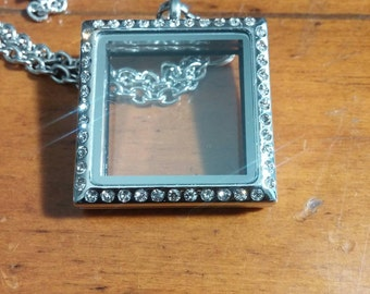 Silver Square Stainless Steel Memory Locket with Rhinestones 1-1/8 Inches - x 1-1/8 Inches