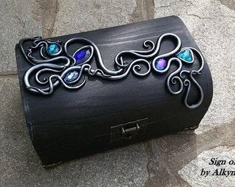 Black gothic wood Tarot box//Hand made fantasy box//Fairy box for jewelry