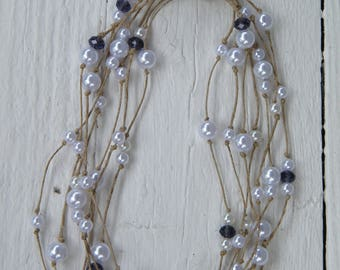 "Necklace with pearls and Twine ""White""."