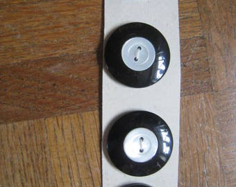 4 vintage buttons bakelite black and MOP Mother of pearl