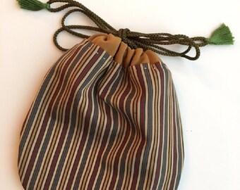 Small pouch in vintage kimono fabric (102)