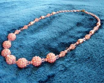 Peach beaded necklace - Springtime pastel necklace