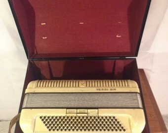 Beautiful Pearl Hohner Verdi III w Matching Hard Shell Case German Made