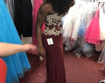 Burgundy maroon prom 2017 dress size 8