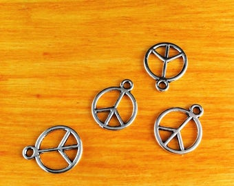 """""""peace and love"""" 10 pendants charms silver peace sign"""