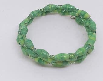 Memory wire beaded bracelet, paper beaded bracelet,