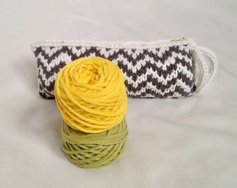 Zigzag Clutchbag - Green Pea and Yellow