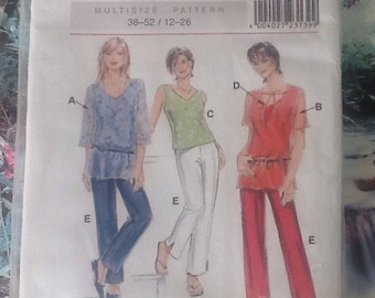 Neuemode & Stil S23139 vintage sewing pattern.  Ladies trousers, pants, sleeveless top and pullover.