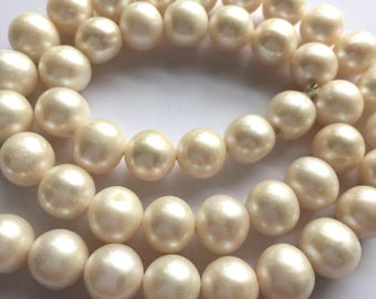 Large Pea-Sized Ivory White Cultured Pearls - 10mm round - approx 45 beads