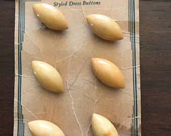 6 Vintage Wooden Dress Buttons in Original Package